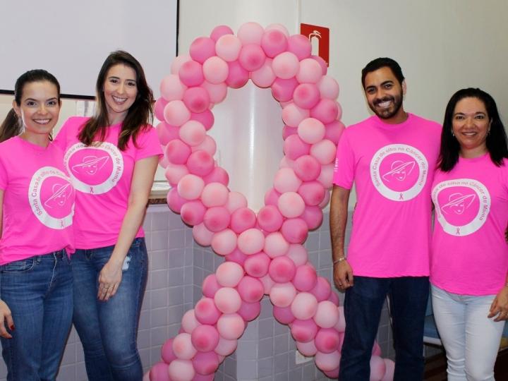 Outubro Rosa: Equipe de Oncologia organiza confraternização para pacientes com Câncer