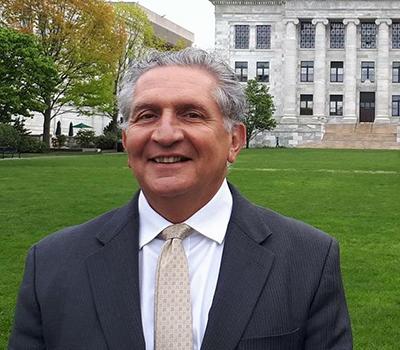 Dr. Gilberto Saber
